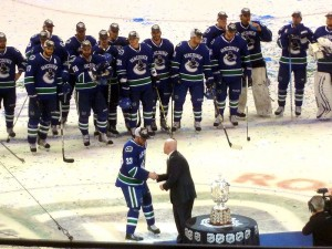 Henrik Sedin accepts 2011 Campbell Bowl. Image Courtesy of Wikipedia Commons.