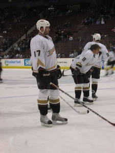 Dustin Penner with Ducks back in 2006. Image Courtesy of Wikipedia Commons.