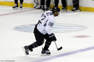 Jarome Iginla practicing as a member of the Boston Bruins. Photo by Deb. Image courtesy of Flickr.