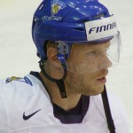 Saku Koivu with the Finnish national team. Image courtesy of Wikipedia Commons.