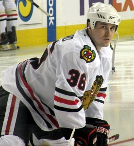 Dave Bolland with the Chicago Blackhawks. Image courtesy of Wikimedia Commons.