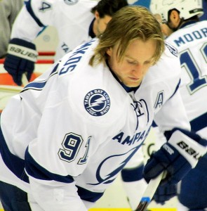 Steven Stamkos of the Tampa Bay Lightning in pre-game warmups. Image courtesy of Wikimedia Commons.