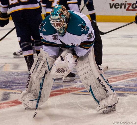 Antti Niemi, Sharks choke against Kings.